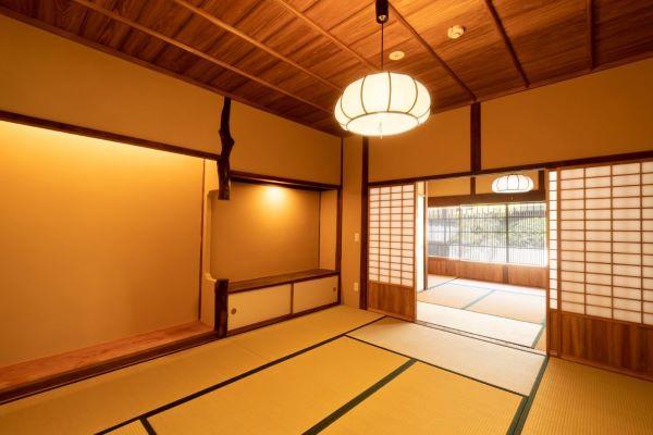 Mikuniya New Building Miyajima Japan