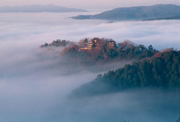 Bitchu-Matsuyama-Castle-In-Sea-Of-Cloud