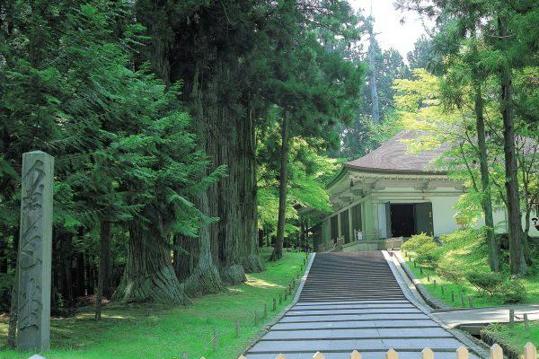 Kinjikido-Chusonji-Temple-Hiraizumi-Iwate-Japan