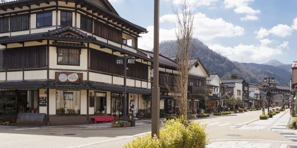 Yuge-Kaido-Street-Yamanaka-Onsen-Ishikawa-Japan