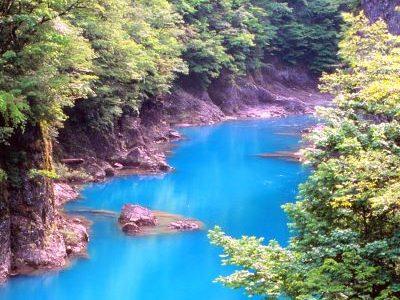 Dakigaeri-Gorge-Akita-Japan-