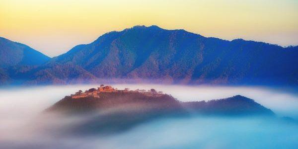 Takeda-Castle-Ruins-Sea-of-Clouds-Asago-Hyogo-Japan-